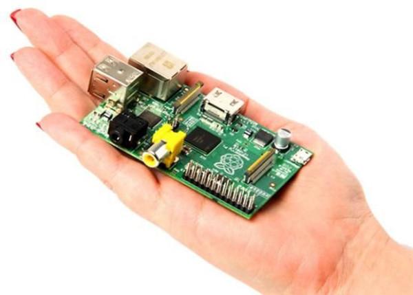 第三代树莓派卡片式电脑发布